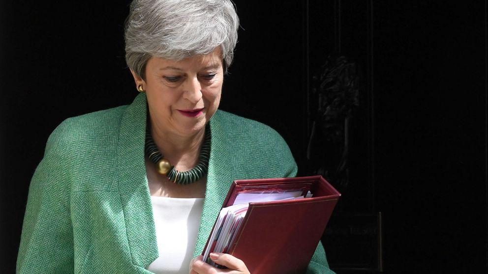 El Brexit inicia su semana más caótica entre amenazas de derrocar a May