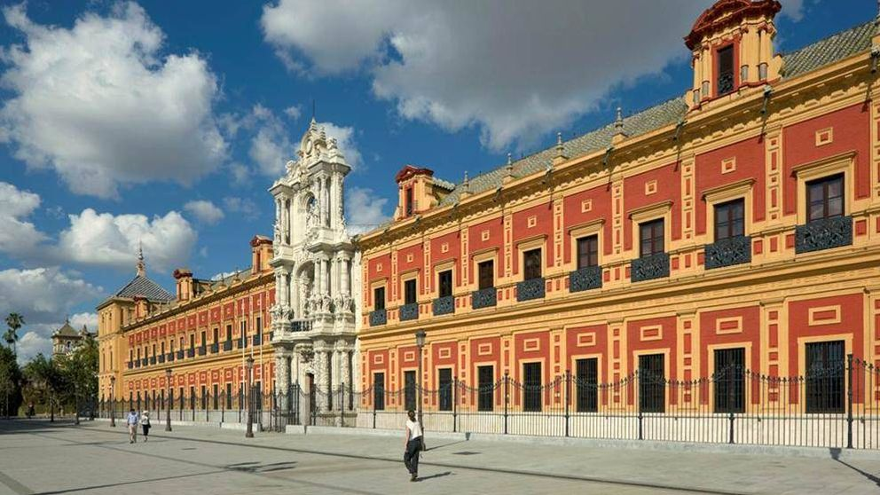 La Junta de Andalucía no adelgaza