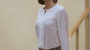 Doña Letizia retrocede en el tiempo y luce dos de sus prendas favoritas