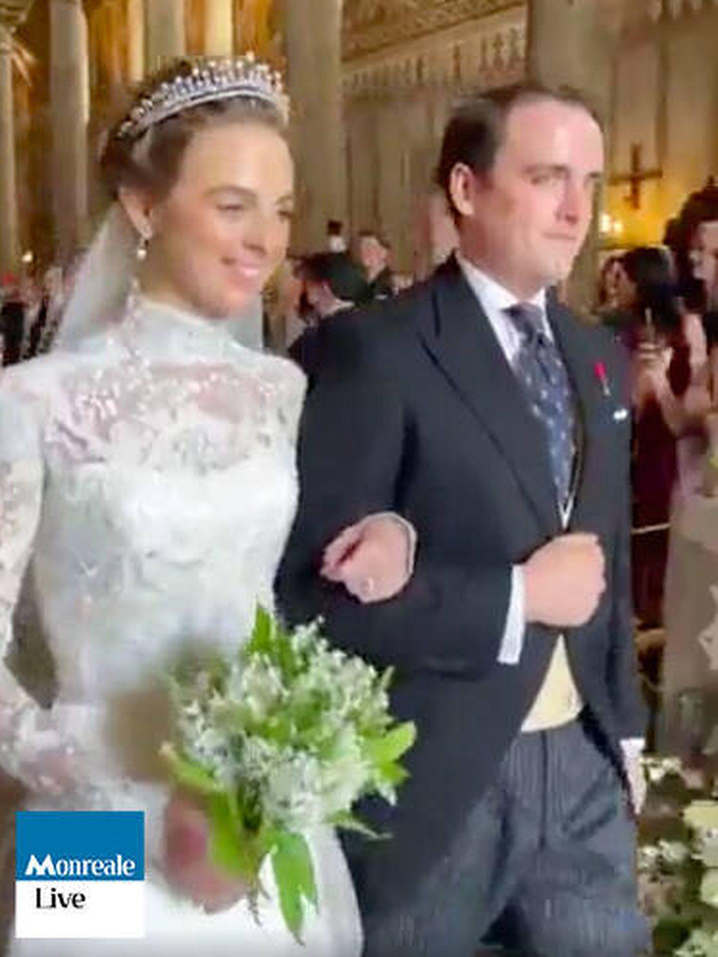 Jaime de Borbón-Dos Sicilias y Charlotte Lindesay-Bethune, recién casados. (MonrealeLive.it)