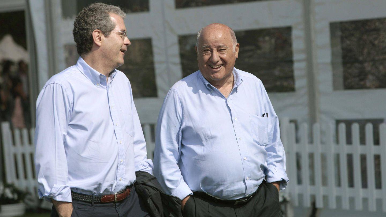 Pablo Isla y Amancio Ortega, relajados en Casas Novas. (EFE)
