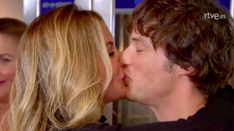 El beso de Rebecca y Jordi en 'MasterChef Junior'. (RTVE)