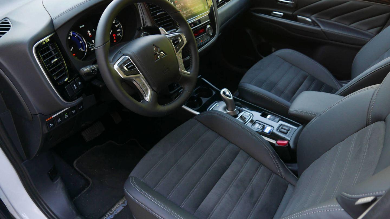 Así es por dentro el Mitsubishi Outlander PHEV.