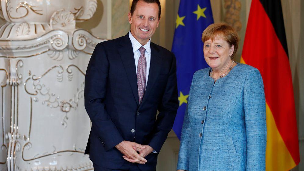 Foto: Richard Grenell, embajador de EEUU, junto a Angela Merkel. (Reuters)
