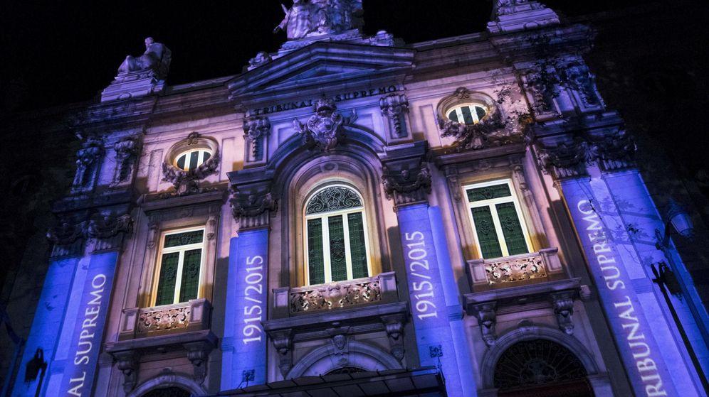 Foto: Sede del Tribunal Supremo en Madrid, durante un espectáculo de luz y sonido (EFE)