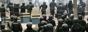 La Asamblea boliviana aprueba la Constitución de Morales sin la oposición y pese a los disturbios