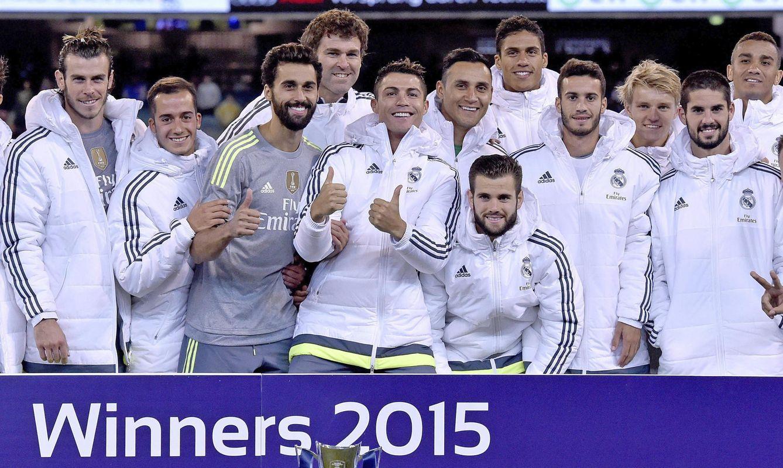 Foto: Los futbolistas del Real Madrid celebran su triunfo en el torneo International Champions Cup en el estadio MCG de Melbourne (Efe)