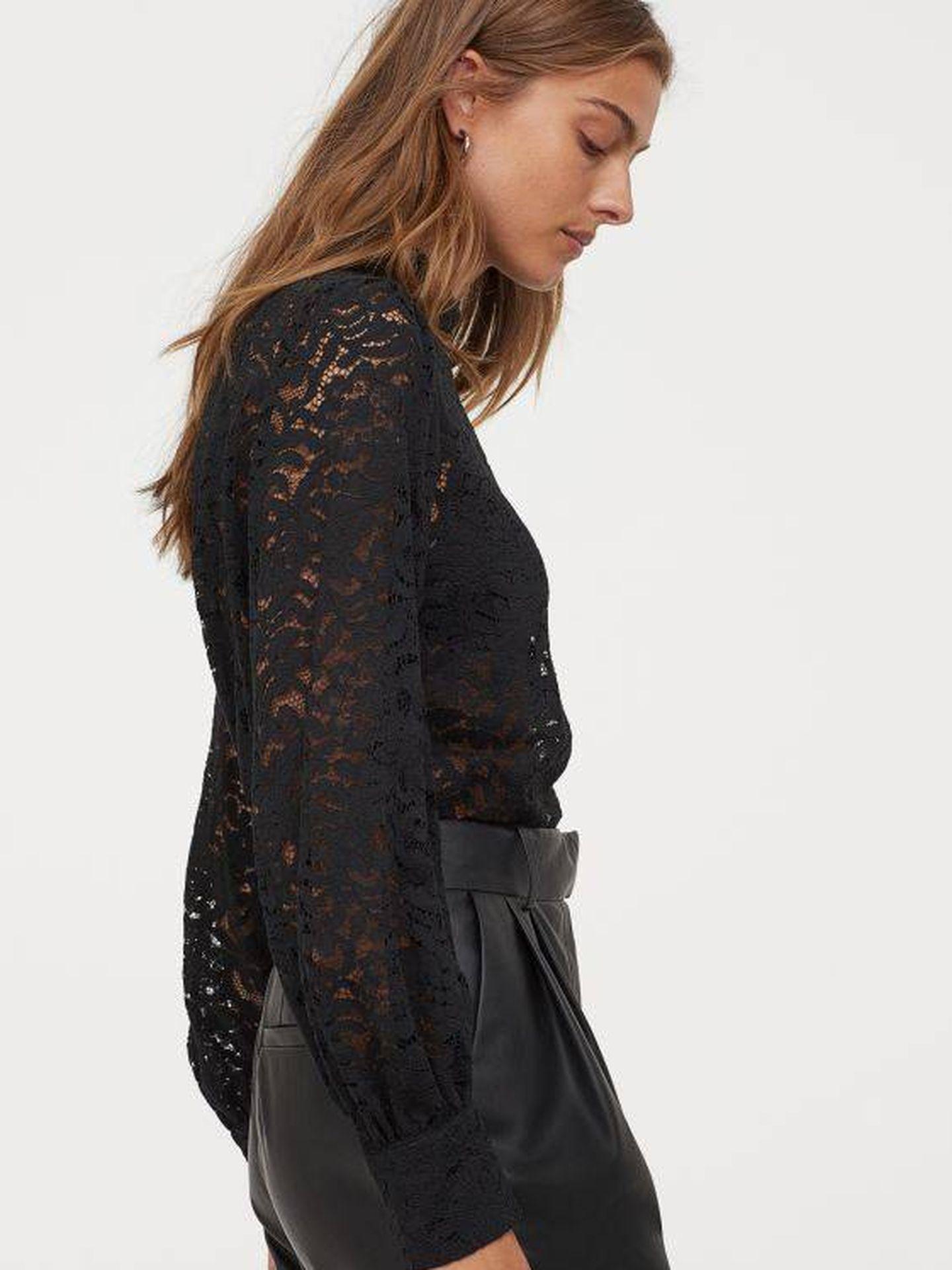 La blusa de HyM en color negro. (Cortesía)
