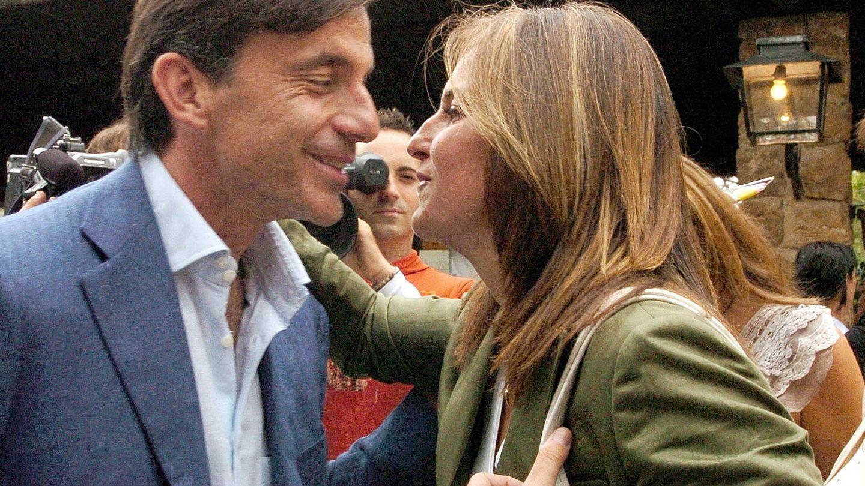 Emilio y Arantxa Sánchez Vicario, en una imagen de archivo. (EFE/Julián Martín)