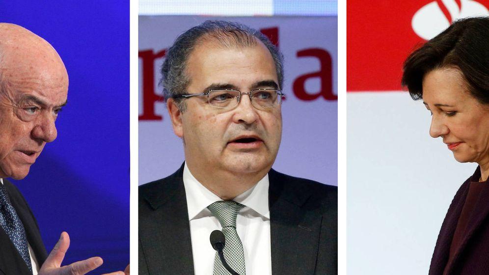 Foto: Francisco González, expresidente de BBVA, Ángel Ron, expresidente de Banco Popular y Ana Botín, presidenta de Santander