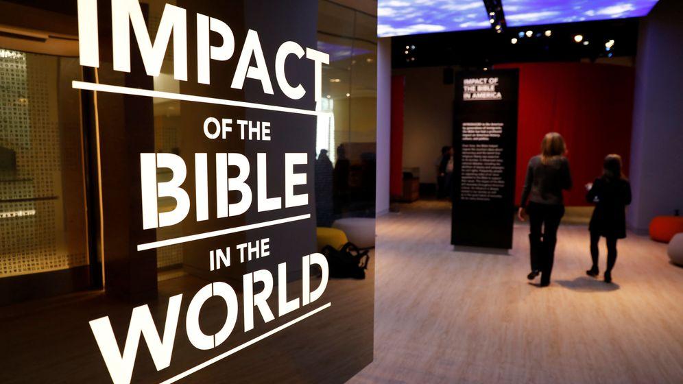 Foto: Una de las exposiciones del Museo de la Biblia de Washington, inaugurada el 14 de noviembre de 2017. (Reuters)