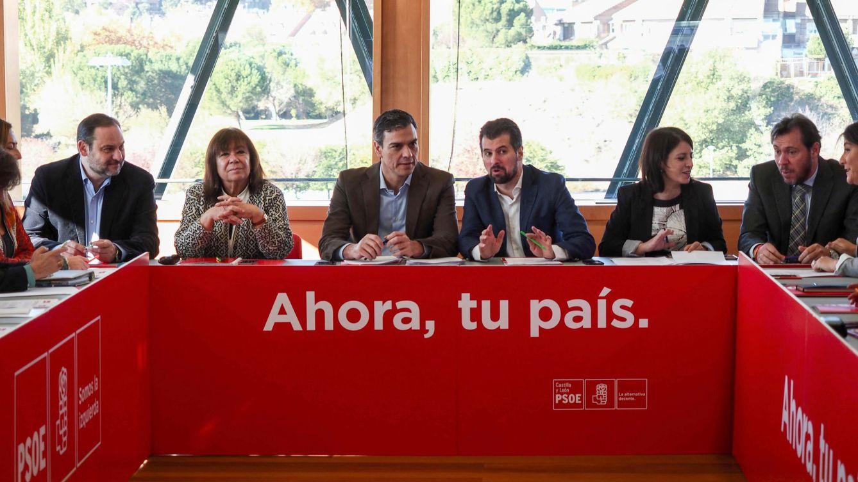 Sánchez confía en la palabra de Rajoy para impulsar el cambio constitucional en 6 meses