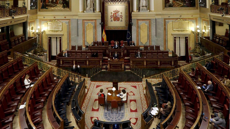Vista del hemiciclo del Congreso el pasado 15 de abril. (EFE)