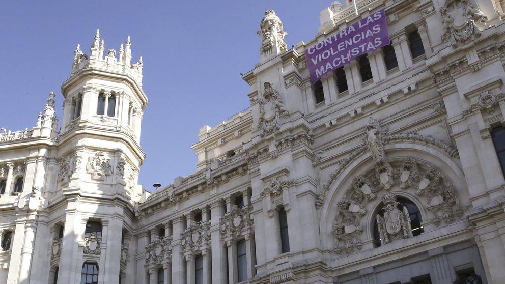 El PP retira carteles contra la violencia de género en Madrid para no hacer marketing