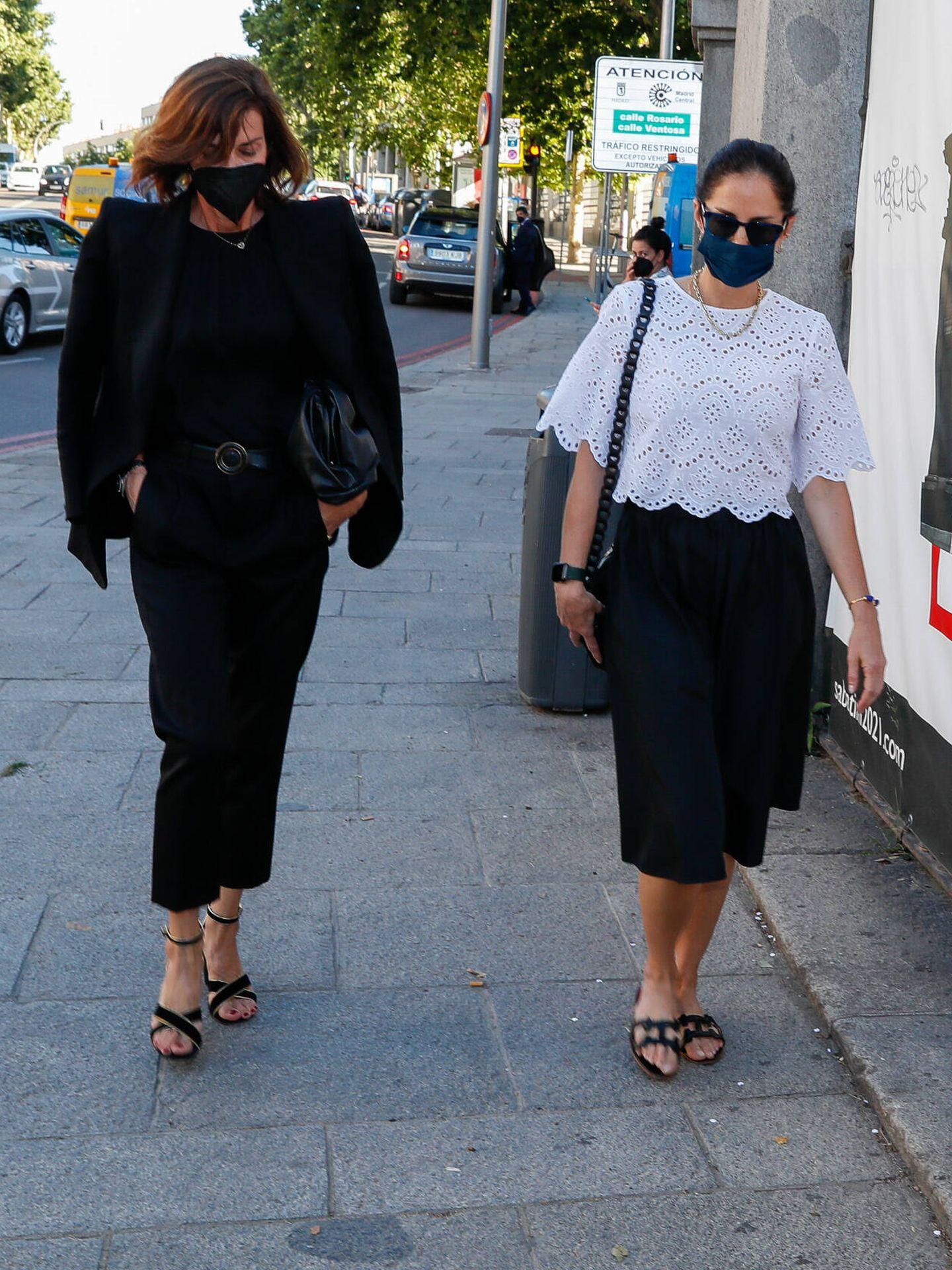 Nieves Álvarez y Adriana Carolina Herrera. (Gtres)