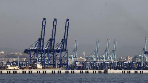 El puerto de Algeciras paraliza su actividad por falta de trabajadores, que piden un plus