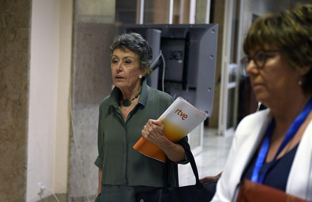 Foto: La administradora provisional única de RTVE, Rosa María Mateo, el pasado 25 de septiembre en el Congreso. (EFE)