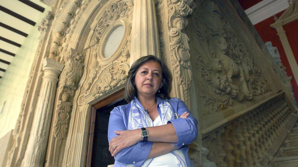 Foto: La directora del Patronato de la Alhambra y el Generalife, María del Mar Villafranca. (EFE)
