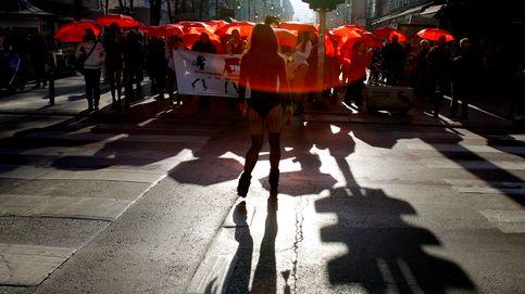 Paraguas rojos para defender a las trabajadoras sexuales