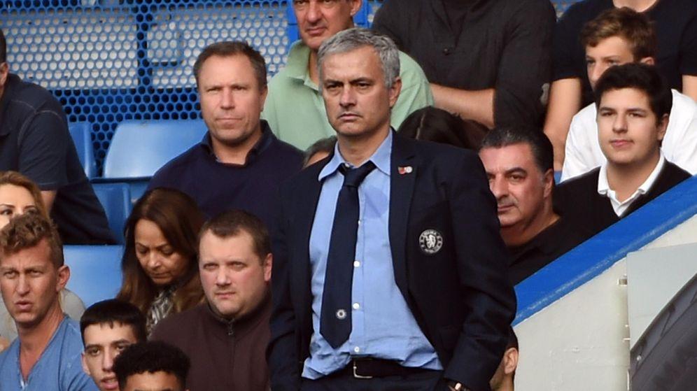 Foto: Mourinho durante el partido (Efe).