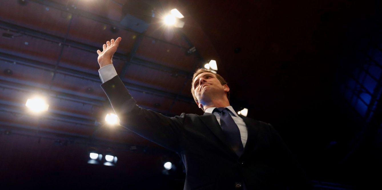 El PSOE saborea el triunfo de Casado: vira al PP a la derecha y lo lleva a la era de Aznar