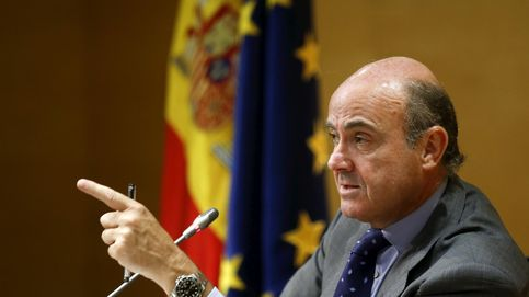 Guindos no contempla la salida del Grecia del euro, pero exige reglas