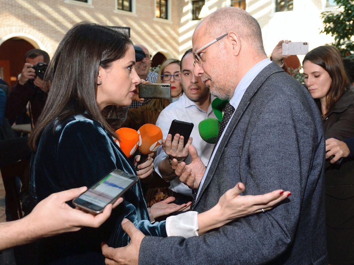 Foto: La portavoz del grupo parlamentario de Cs, Inés Arrimadas, junto Francisco Igea. (EFE)