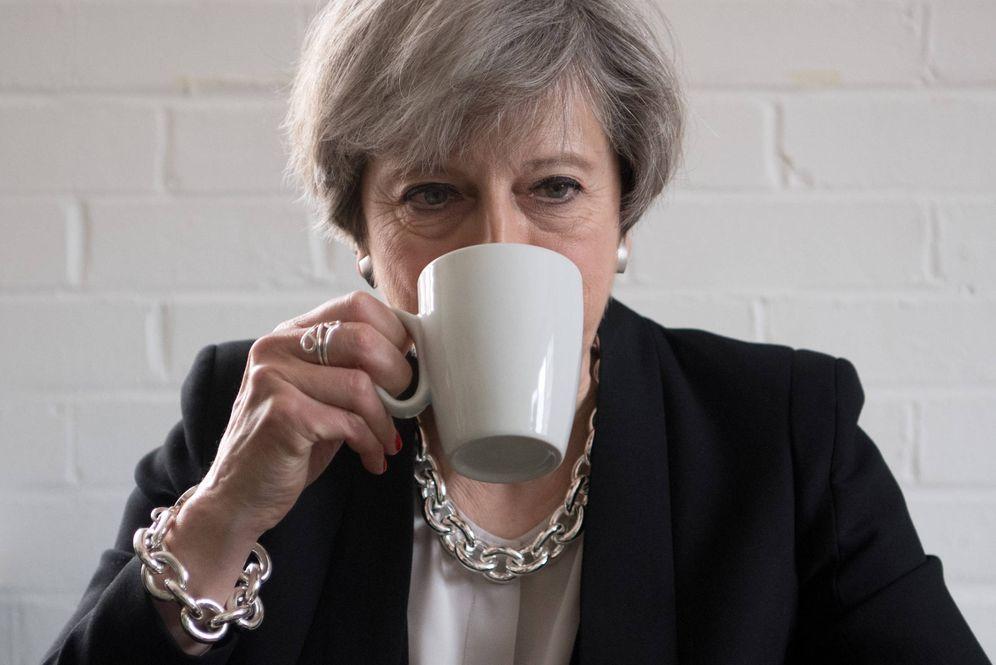 Foto: La primera ministra durante un encuentro con activistas en un acto de recaudación de fondos, en Londres. (Reuters)