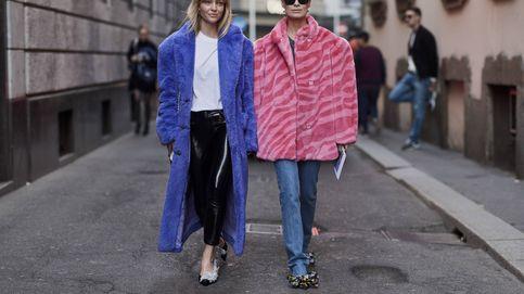 Duelo de abrigos: borreguillo vs peluche. ¿Quién ganará la partida de estilo?