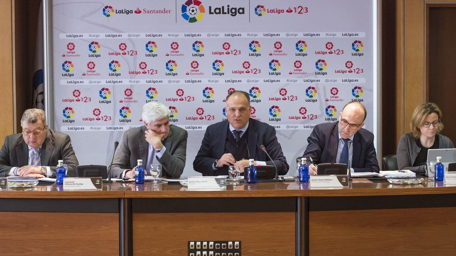 Foto: Javier Tebas habló en rueda de prensa este miércoles tras la Asamblea General Extraordinaria de LaLiga. (EFE)