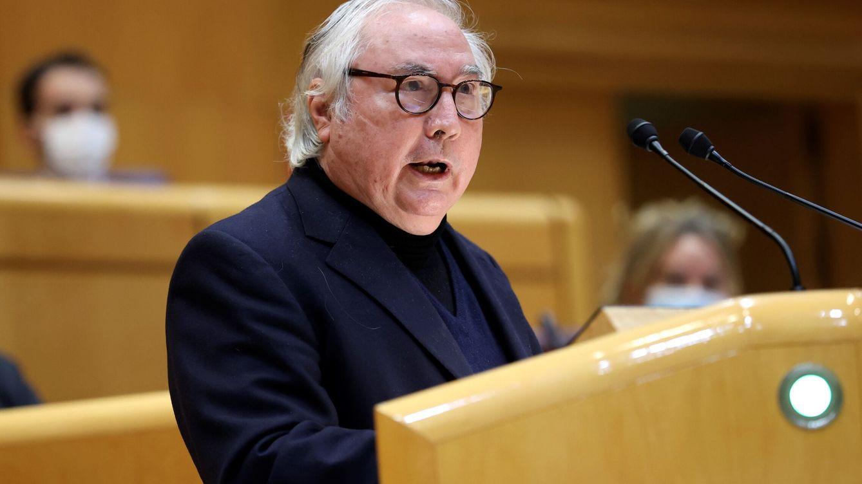Castells renuncia a que el rector pueda ser elegido por un comité externo