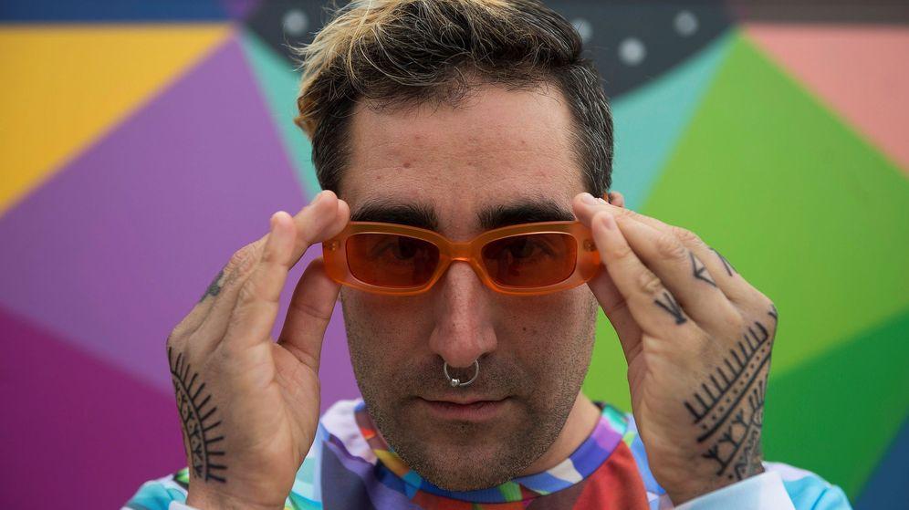 Foto: El artista callejero santanderino Óscar San Miguel 'Okuda'. (EFE)