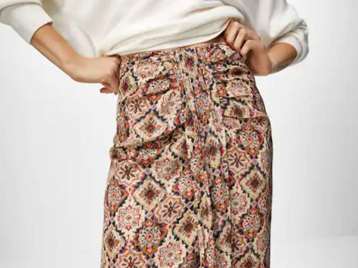 Foto: La falda con nudo de Massimo Dutti. (Cortesía)