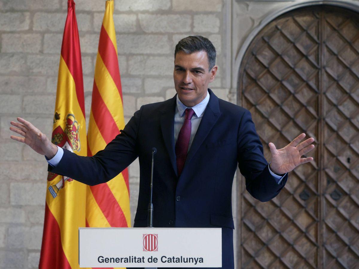 Foto: El presidente del Gobierno, Pedro Sánchez, comparece en el Palau de la Generalitat. (EFE)