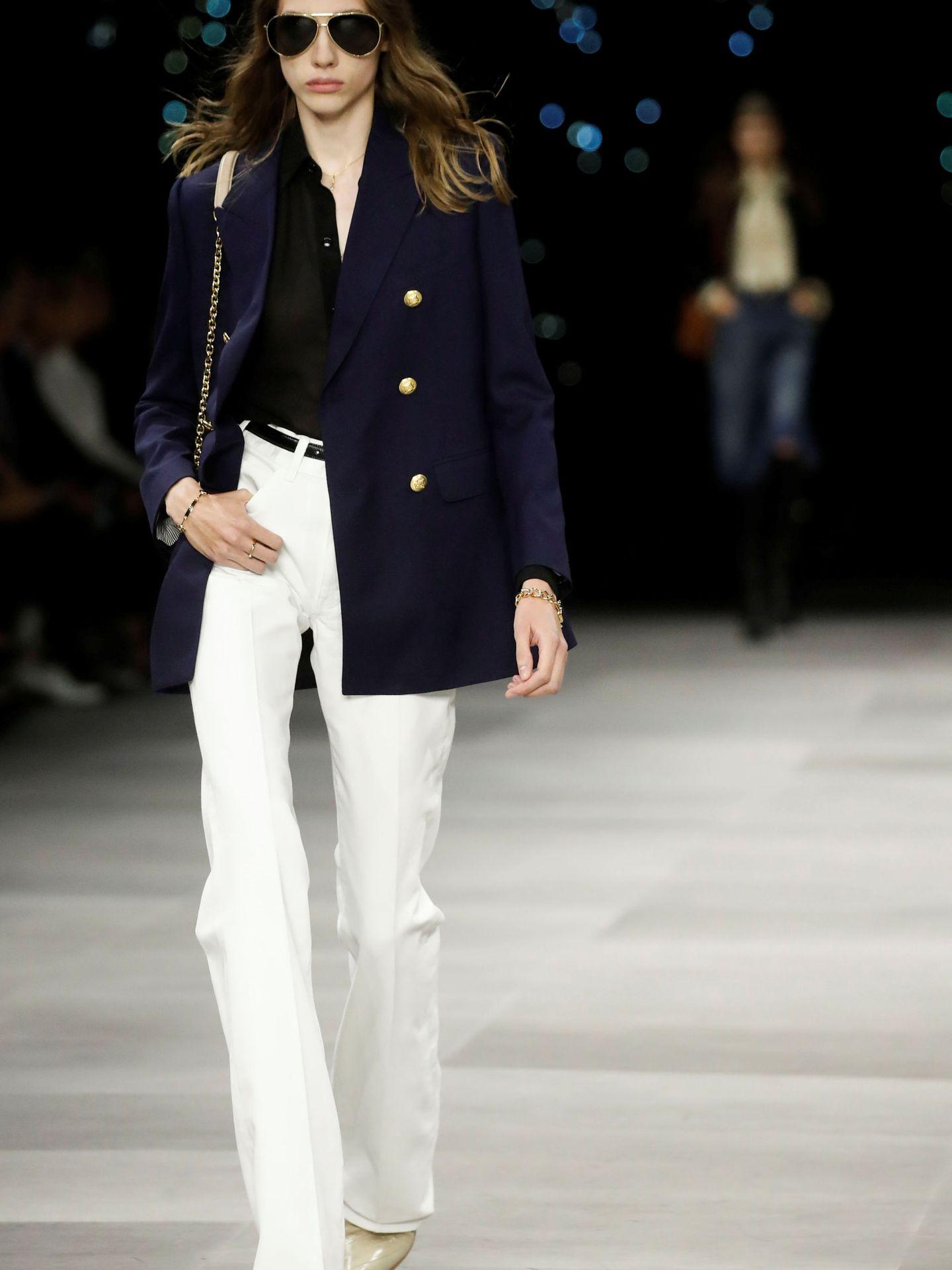 Una modelo desfila para Celine. (Reuters)
