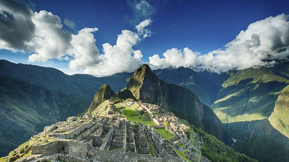 Foto: Una increíble panorámica del Machu Picchu, en Perú (iStock)