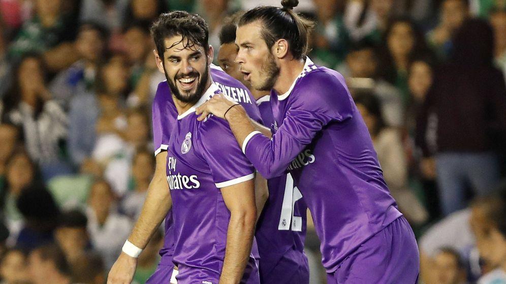 Foto: Isco y Bale en el Benito Villamarín. (EFE)