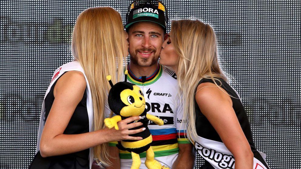 Peter Sagan también gana sin casco y maillot, incluso desnudo