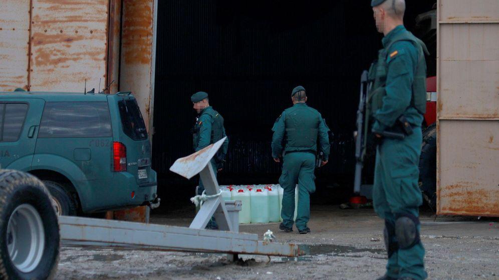 Foto: Imagen de archivo de una operación de la Guardia Civil contra el narcotráfico en Cádiz. (EFE)