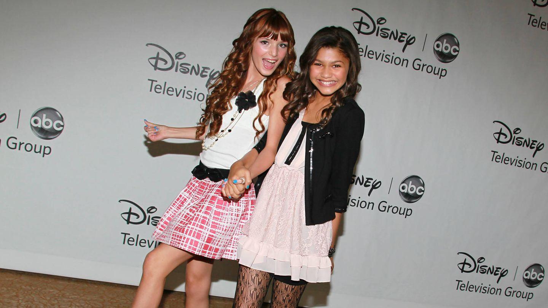 Bella Thorne y Zendaya, dos chicas Disney en 2010. (Getty)
