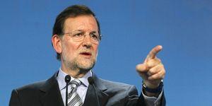 Foto: Las armas de Rajoy y Rubalcaba para seducir al votante harto de los políticos