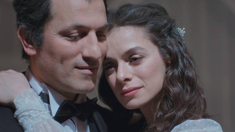 Arif y su esposa, Bahar. (Atresmedia)