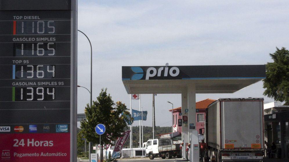 Foto: Imagen de archivo de una gasolinera de Portugal. (EFE)