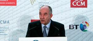 El BdE rebaja los niveles de solvencia publicados por Popular y Santander