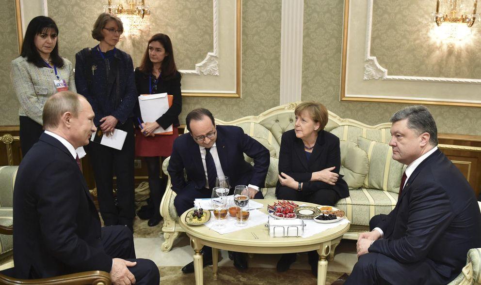 Foto: Vladimir Putin, Petro Poroshenko, Angela Merkel y Hollande durante el encuentro en Minsk (Reuters).