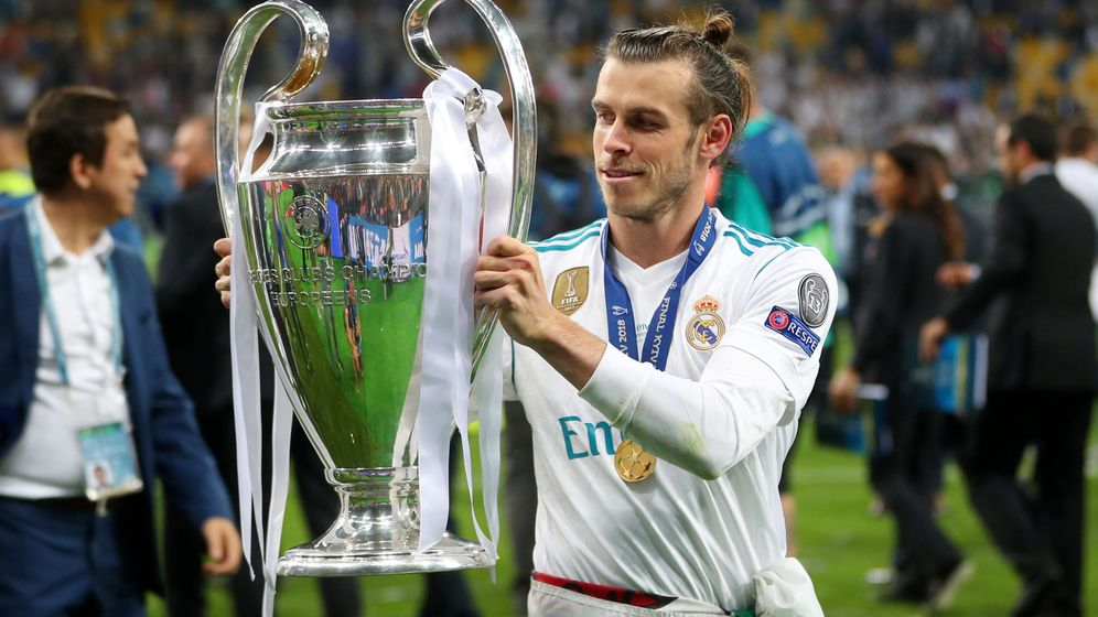 Foto: Gareth Bale con el trofeo de la Champions que conquistó el Real Madrid en la final de Kiev contra el Liverpool. (Efe)