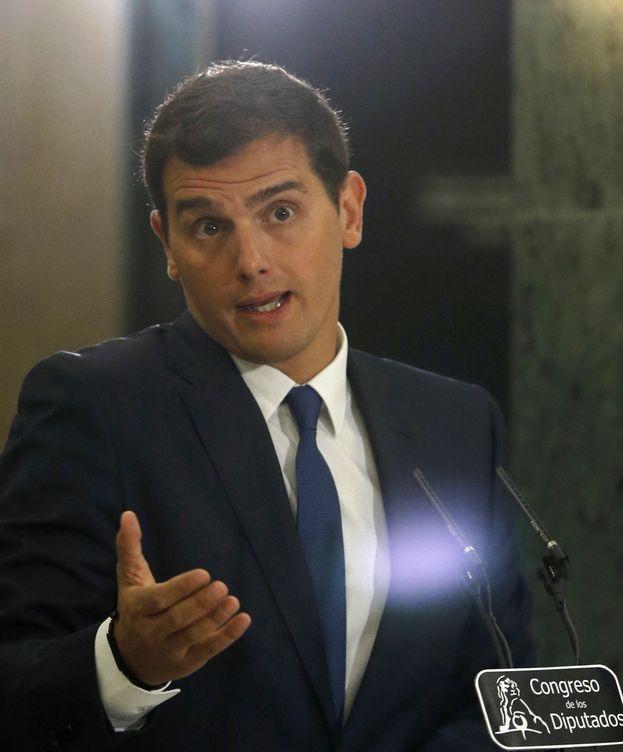 Foto: Rivera dice que Rajoy someterá a votación de la Ejecutiva las condiciones para el 'sí'. (EFE)