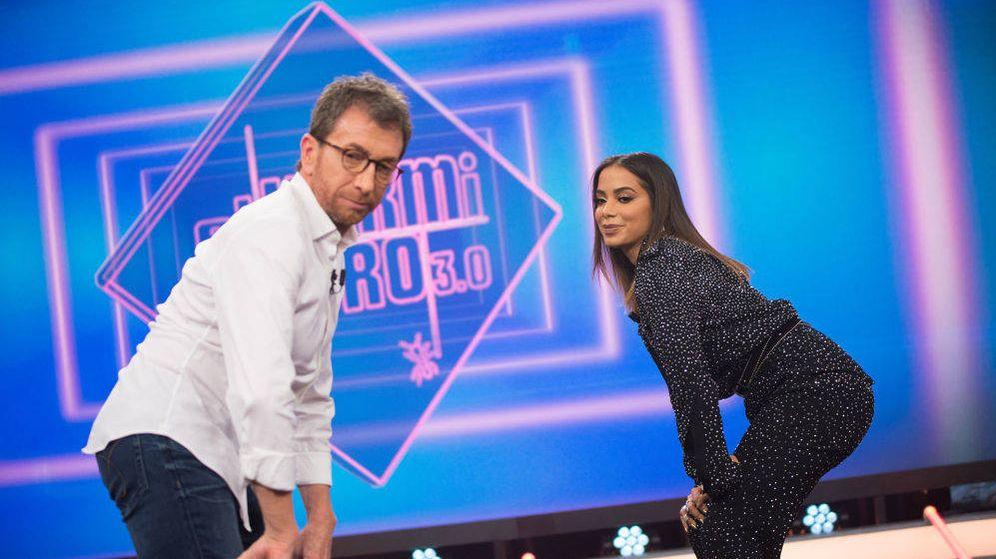 Foto: Pablo Motos y Anitta, en 'El hormiguero'. (Atresmedia Televisión)