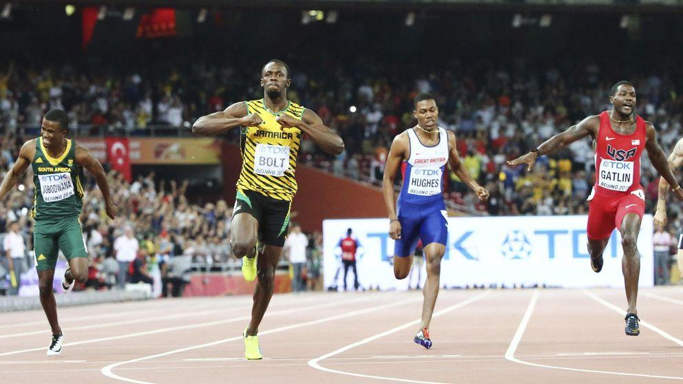 Usain Bolt vuelve a ser oro en 200 exhibiéndose otra vez ante Gatlin
