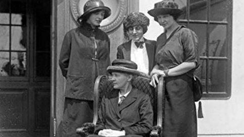Un siglo después, el senado y los años de Marie Mattingly